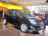 PARIS LIVE: Standul Opel33463