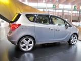 PARIS LIVE: Standul Opel33470