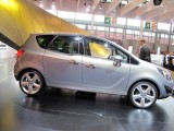 PARIS LIVE: Standul Opel33471
