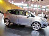 PARIS LIVE: Standul Opel33472