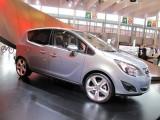 PARIS LIVE: Standul Opel33473