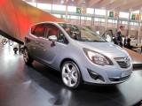 PARIS LIVE: Standul Opel33474