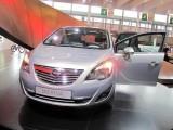 PARIS LIVE: Standul Opel33477