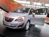 PARIS LIVE: Standul Opel33478