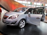 PARIS LIVE: Standul Opel33479