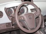 PARIS LIVE: Standul Opel33483