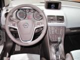 PARIS LIVE: Standul Opel33485