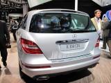 Paris LIVE: Standul Mercedes straluceste cu noul CLS33064