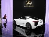PARIS LIVE: Standul Lexus32307