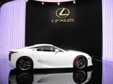 PARIS LIVE: Standul Lexus32320
