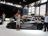 PARIS LIVE: Standul Lamborghini32225