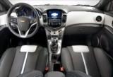 Iata interiorul noului Chevrolet Cruze hatchback!30659