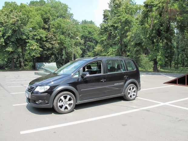 Volkswagen Touran Cross