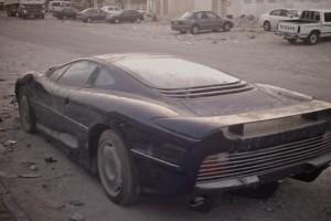 Jaguar XJ220, un supercar pe cale de disparitie