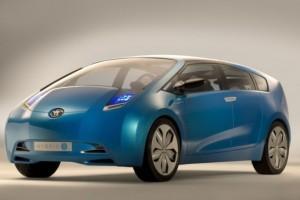 Toyota pregateste un monovolum bazat pe Prius