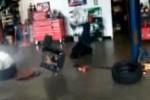 VIDEO: Ce poate face declansarea unui airbag unui om