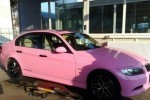 Un BMW Seria 3, roz, din Romania!