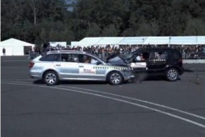 VIDEO: Impact frontal intre Skoda Yeti si Superb la 90 km/h