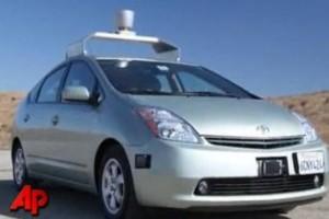 VIDEO: Masina Google, un Prius care merge singur