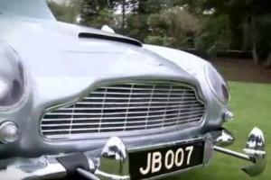 VIDEO: Aston Martin-ul lui James Bond scos la vanzare