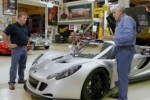 VIDEO: Jay Leno testeaza puternicul Venom GT