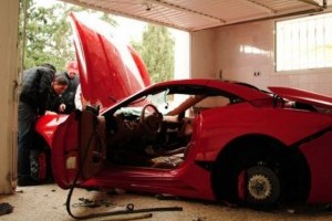 VIDEO: Ferrari California distrus in Tunisia