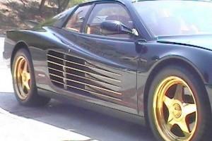 Cine doreste un Ferrari Testarossa placat cu aur?