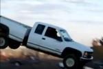 VIDEO: Chevrolet-ul Silverado nu este creat pentru sarituri