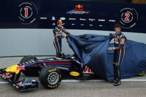 Vettel: Pilotii n-ar trebui sa apese pe butoane