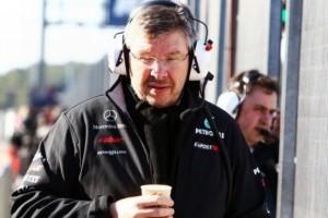 Brawn: Noul Mercedes are probleme cu racirea
