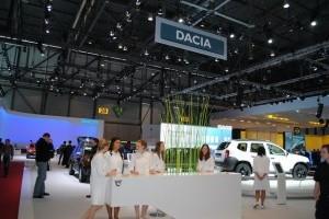 Geneva LIVE: Dacia, reflectoarele pe Duster
