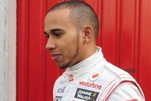 Simon Fuller este noul manager al lui Hamilton