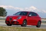 Noul model Dodge, în stadiu de proiect vs Alfa Romeo Giulieta