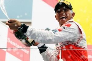 Hamilton obtine a doua victorie a sezonului la Nurburgring