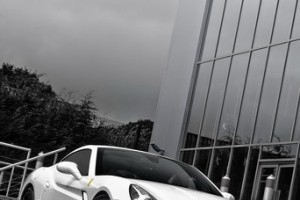 Kahn tuneaza  Ferrari California