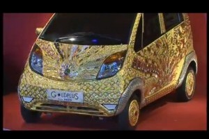 VIDEO: Cea mai ieftina masina a fost placata cu aur