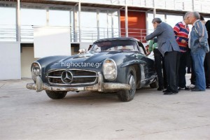 Mercedes 300 SL Roadster din 1960 vandut pentru 405.000 euro