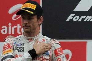 Button: Vettel a fost inca o data de neatins