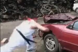 VIDEO: Cum sa iti bati masina