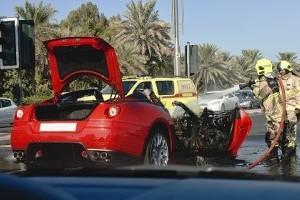 VIDEO: Un Ferrari in flacari