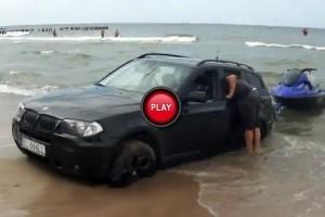 VIDEO: BMW X3 SUV a intrat la apa