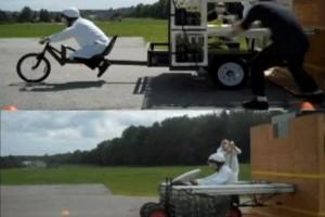 VIDEO: Cola si Mentos sau cum sa pornim un vehicul
