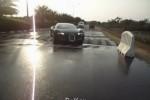 Cum trece un Bugatti Veyron peste hopuri