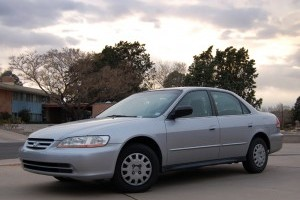 Honda opreste vanzarile la masinile second hand cu probleme la airbag