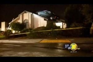 VIDEO: Cu masina furata pe acoperis