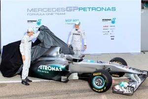 Masinile Mercedes-GP devin Silver Arrows