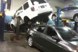 VIDEO: Cum sa dam masina asta jos?
