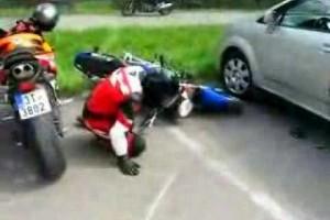 VIDEO: Cum e cand esti manevrat de motocicleta