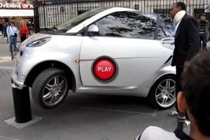 VIDEO: O parcare destul de SMART