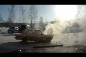VIDEO: Lada, o masina fierbinte, la propriu